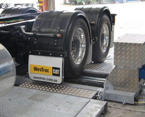 BM20200 mobil testlinie med lastbil på bremseprøvestand og slitagetester