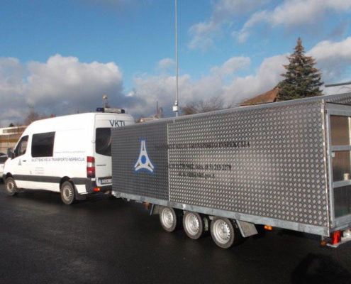 Hard top trailer with mobile test equipment