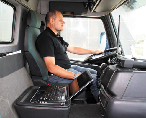 BM25 SmartTest equipment inside vehicle cabin
