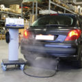 BM3201 4-gas analyzer in use with car